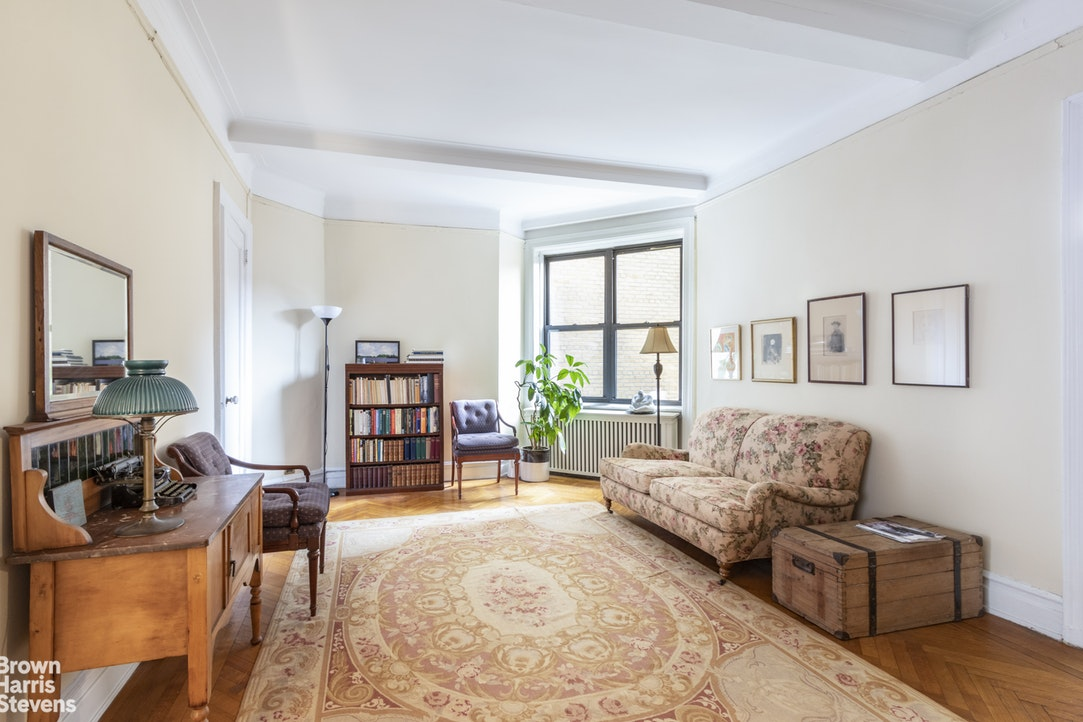 375 Riverside Drive 5E, Upper West Side, NYC, $1,375,000, Web #: 20065695
