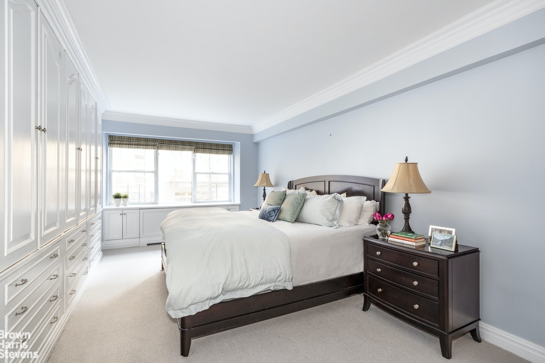 3 Bedroom Across From Central Park, Upper East Side, NYC, $2,395,000, Web #: 20070751