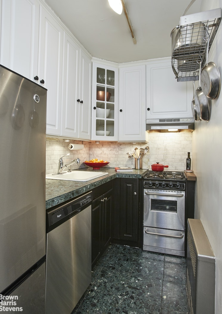 153 East 57th Street, Midtown East, NYC, $529,000, Web #: 20078589