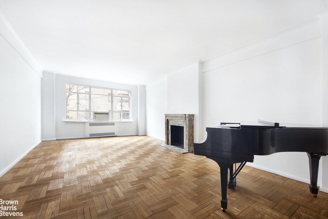 880 Fifth Avenue 2K, Upper East Side, NYC, $1,685,000, Web #: 20083880