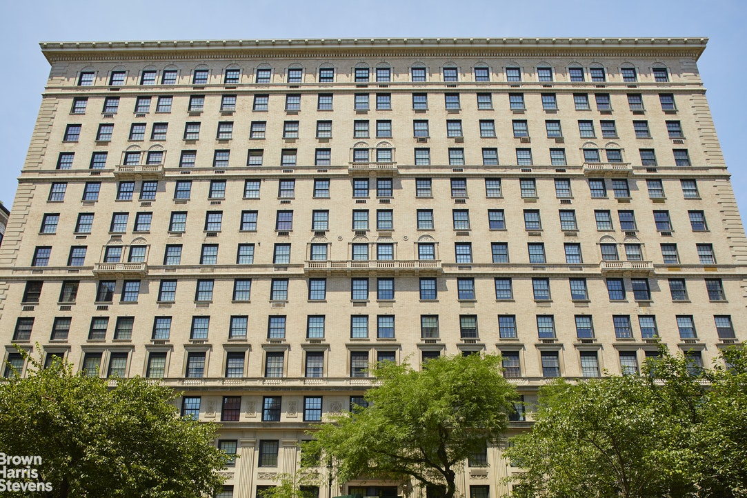 580 Park Avenue 14B, Upper East Side, NYC, $3,465,000, Web #: 20112776