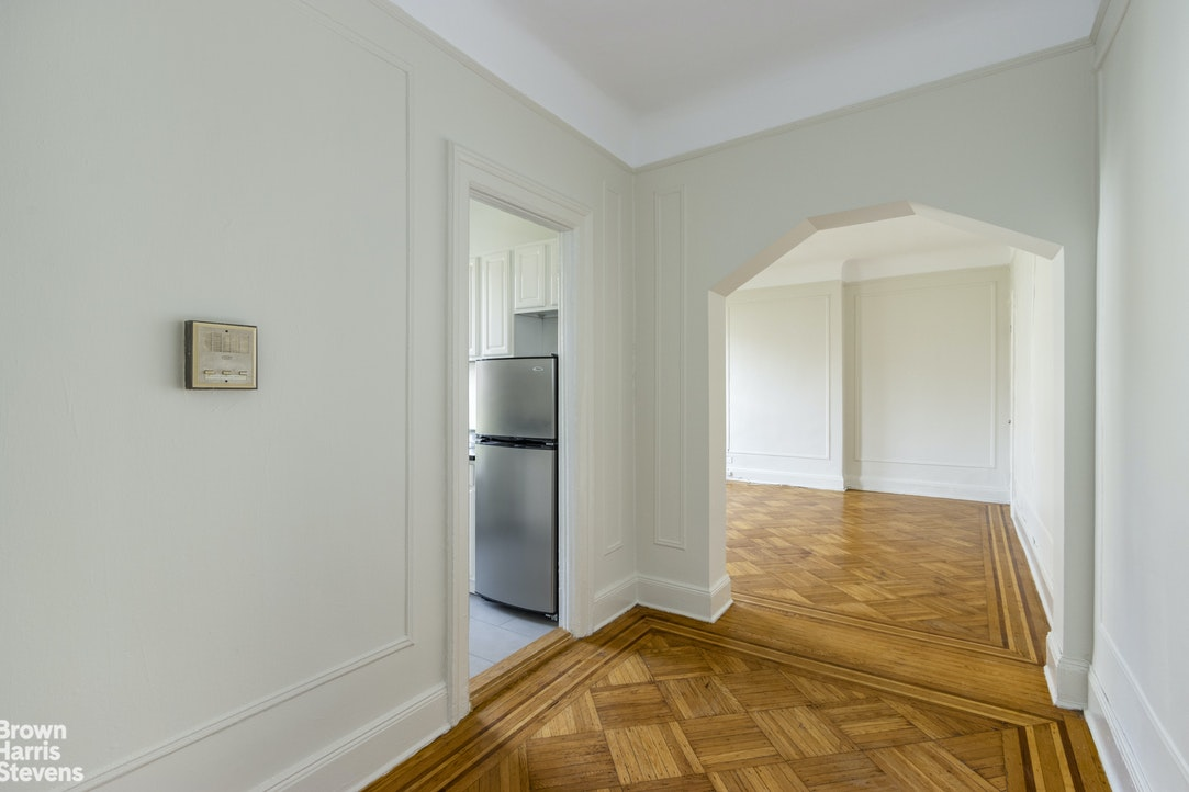 60 West 76th Street 5G, Upper West Side, NYC, $2,666, Web #: 20116133
