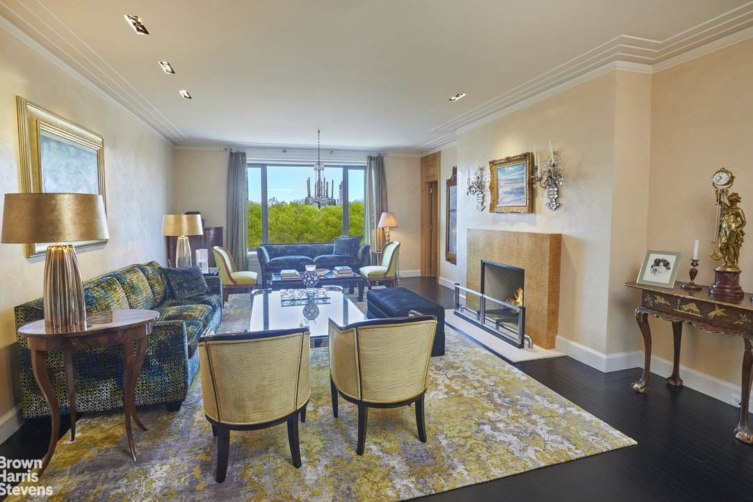 955 Fifth Avenue 8B, Upper East Side, NYC, $14,700,000, Web #: 20126992