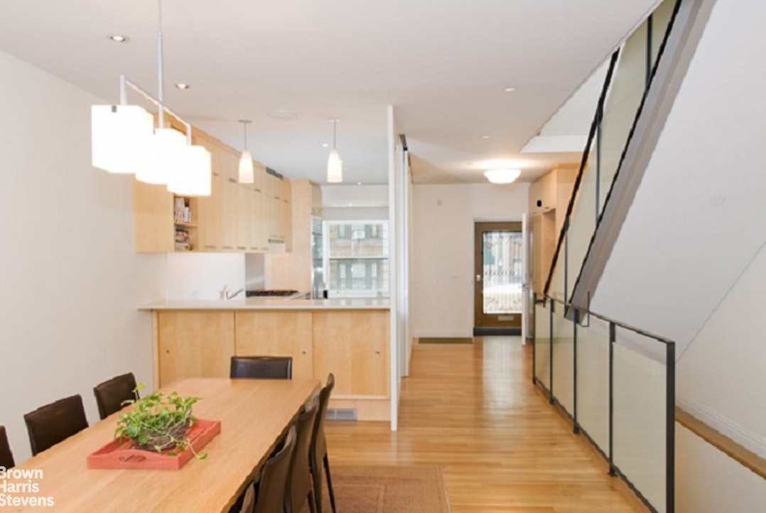 320 West 78th Street Th, Upper West Side, NYC, $25,000, Web #: 20147732
