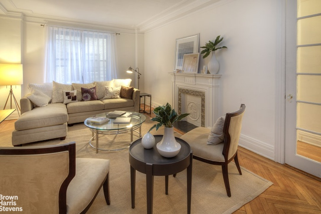 905 West End Avenue 34, Upper West Side, NYC, $5,400, Web #: 20167889