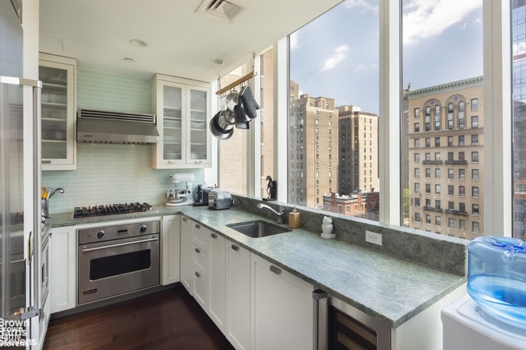 245 West 99th Street 9C, Upper West Side, NYC, $6,200, Web #: 20173694