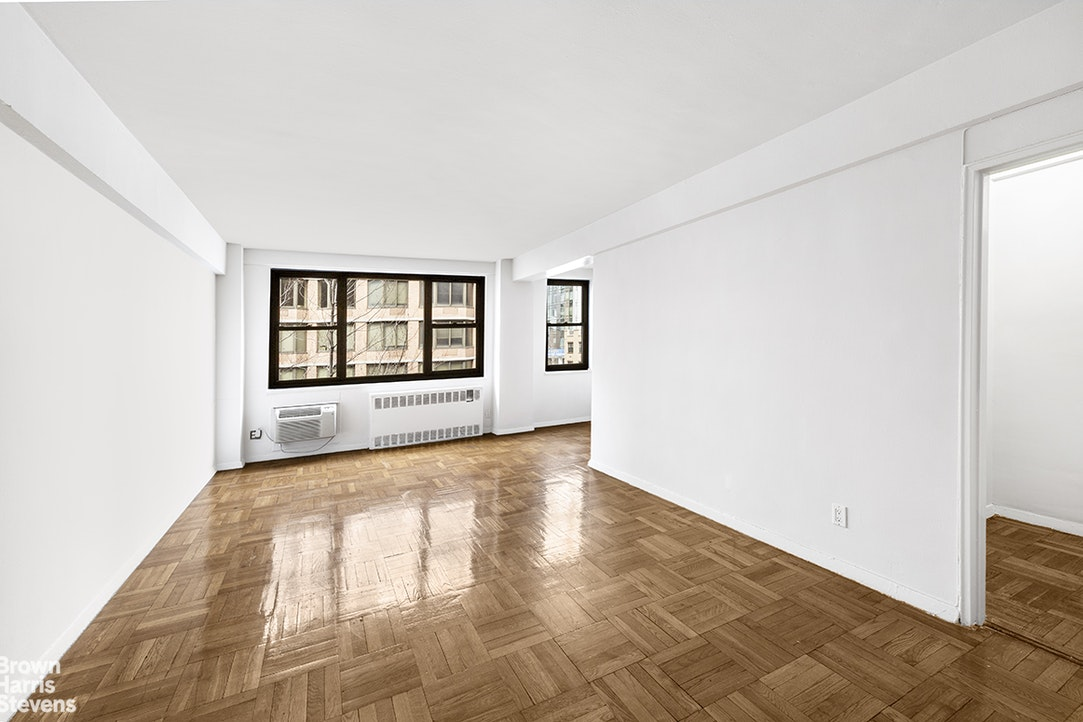 250 East 39th Street 8D, Midtown East, NYC, $2,550, Web #: 20180133