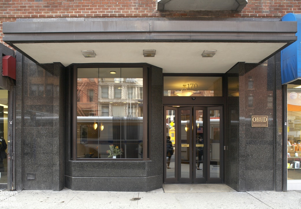 170 West 23rd Street 6Z, Chelsea, NYC, $3,100, Web #: 20182924