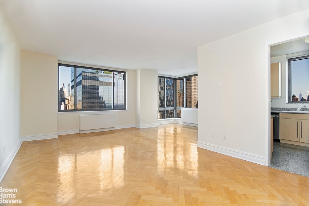 2 Columbus Avenue 27C, Upper West Side, NYC, $6,870, Web #: 20191019