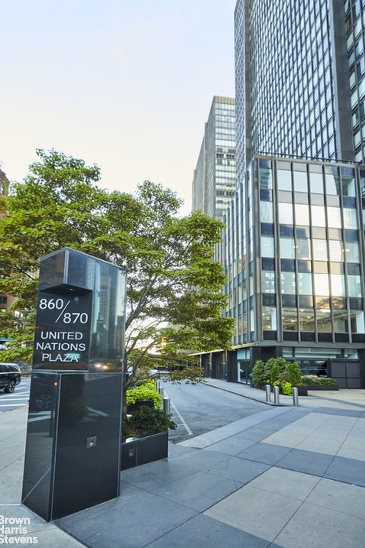 860 United Nations Plaza 13E, Midtown East, NYC, $1,395,000, Web #: 20196860