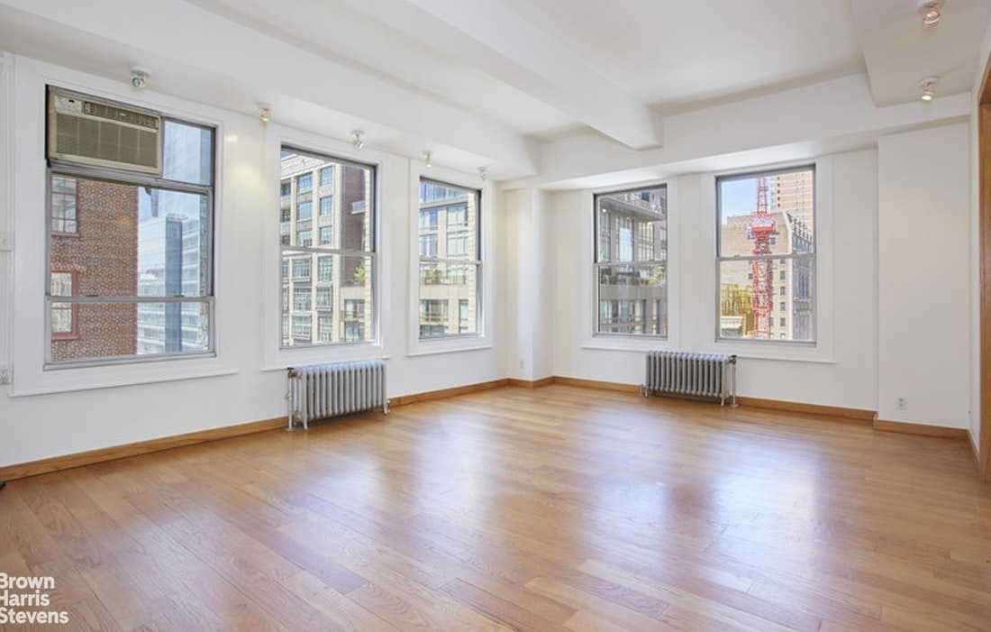 425 Park Avenue South 14B, Midtown East, NYC, $5,000, Web #: 20201701