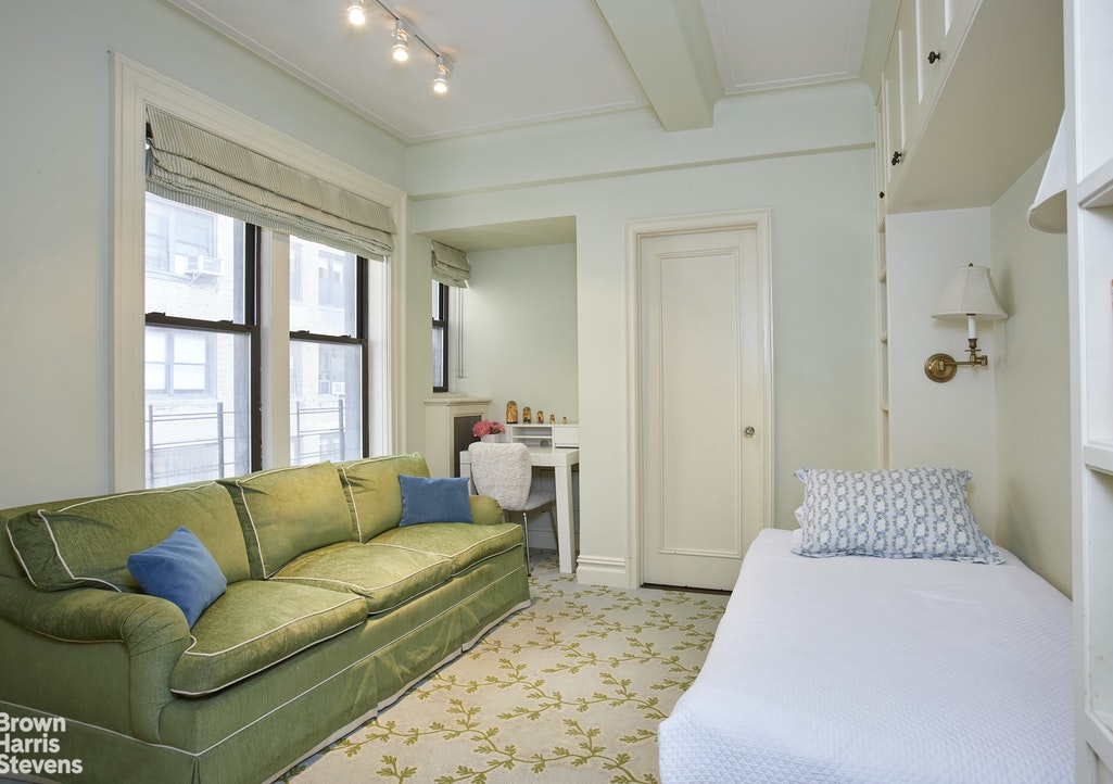 239 Central Park West 4C, Upper West Side, NYC, $2,450,000, Web #: 20204258