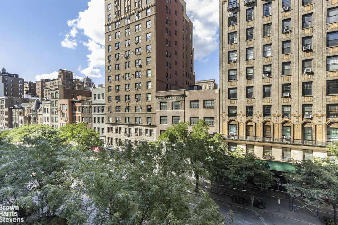 116 West 72nd Street 5C, Upper West Side, NYC, $525,000, Web #: 20204307