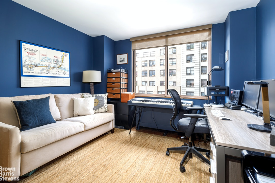350 West 50th Street, Midtown West, NYC, $1,329,000, Web #: 20212800