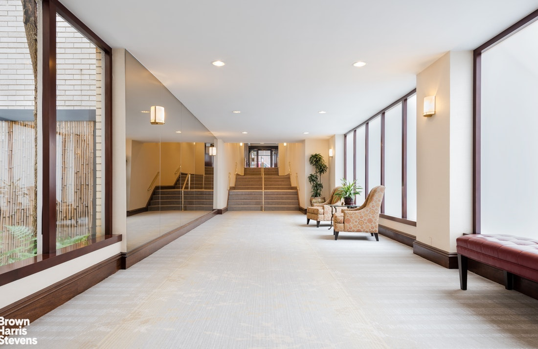 520 East 72nd Street 6P, Upper East Side, NYC, $388,000, Web #: 20212892