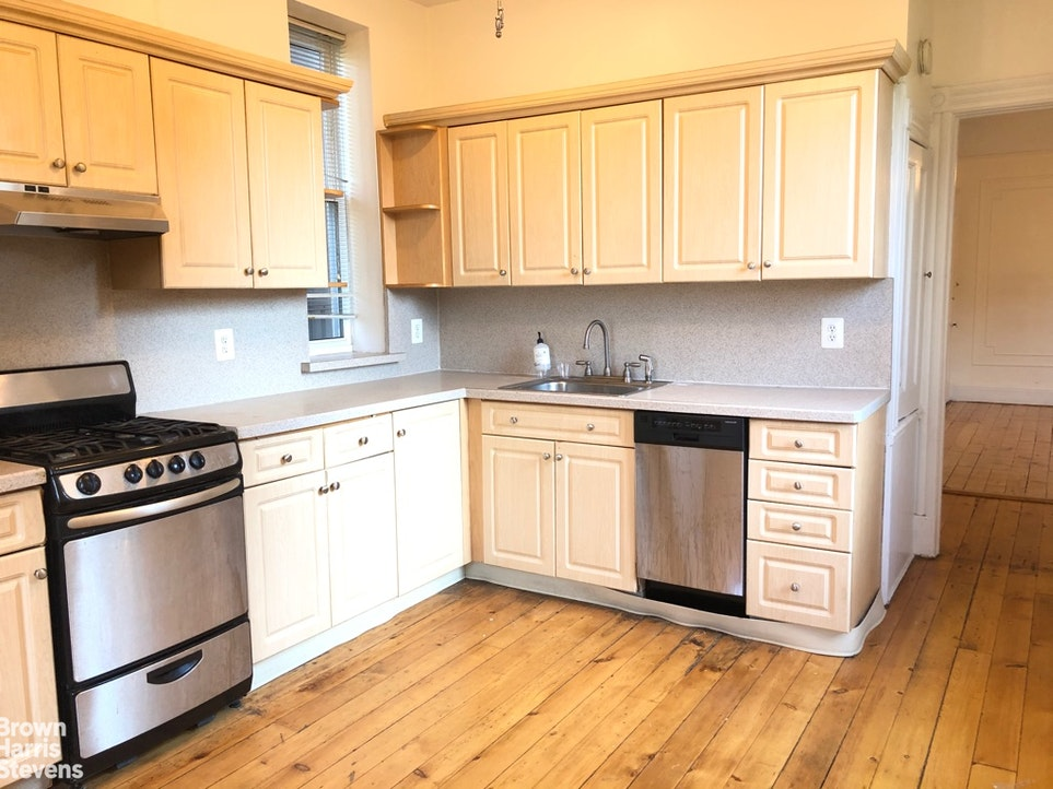 265 Carroll Street 2, Brooklyn, New York, $3,700, Web #: 20213738
