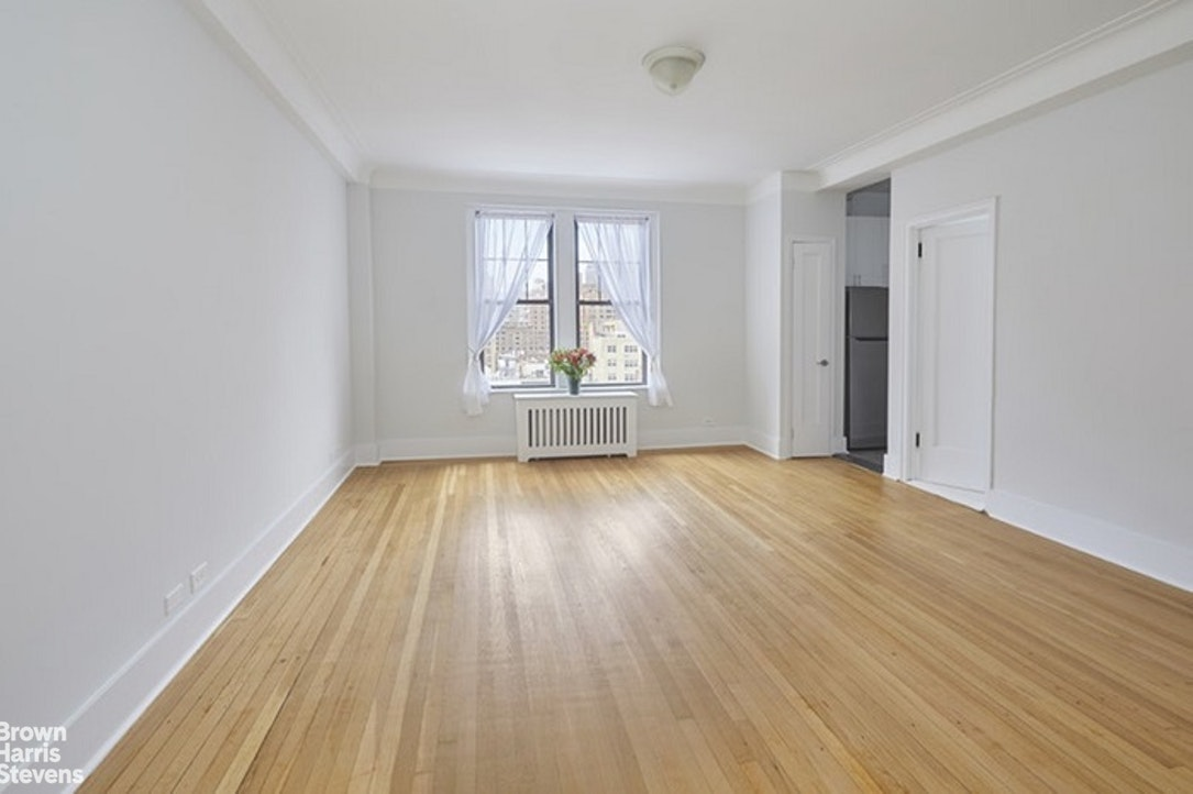 365 West End Avenue 10D, Upper West Side, NYC, $2,600, Web #: 20222915
