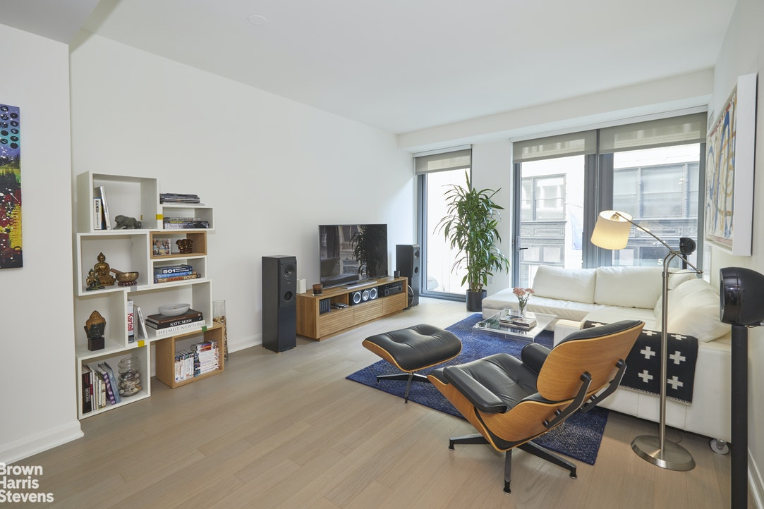 7 West 21st Street 5D, Flatiron, NYC, $4,900, Web #: 20224021