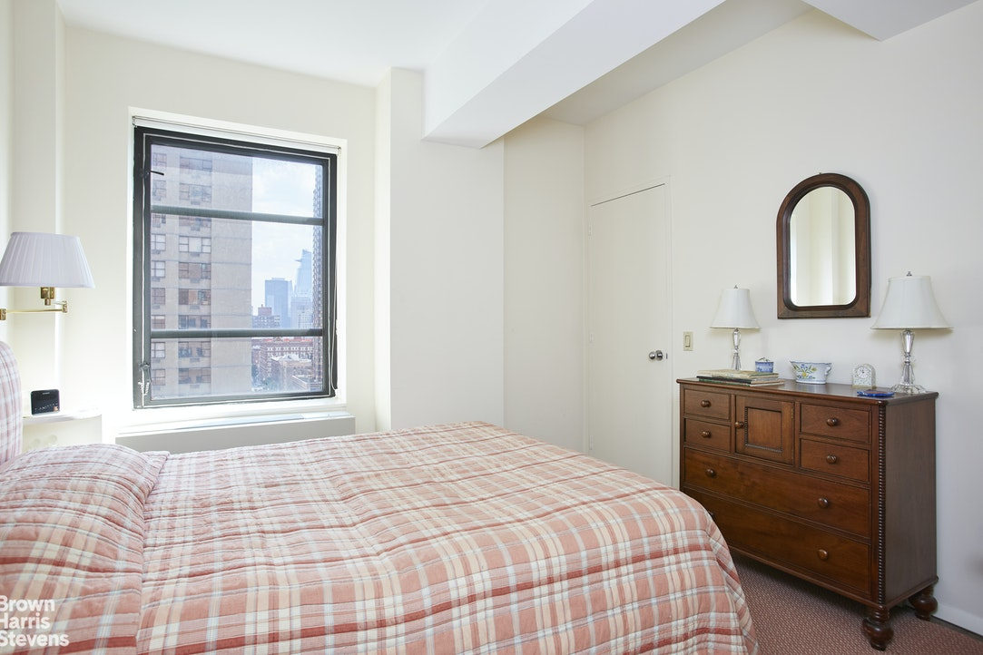 43 West 61st Street 14F, Upper West Side, NYC, $5,500, Web #: 20224292
