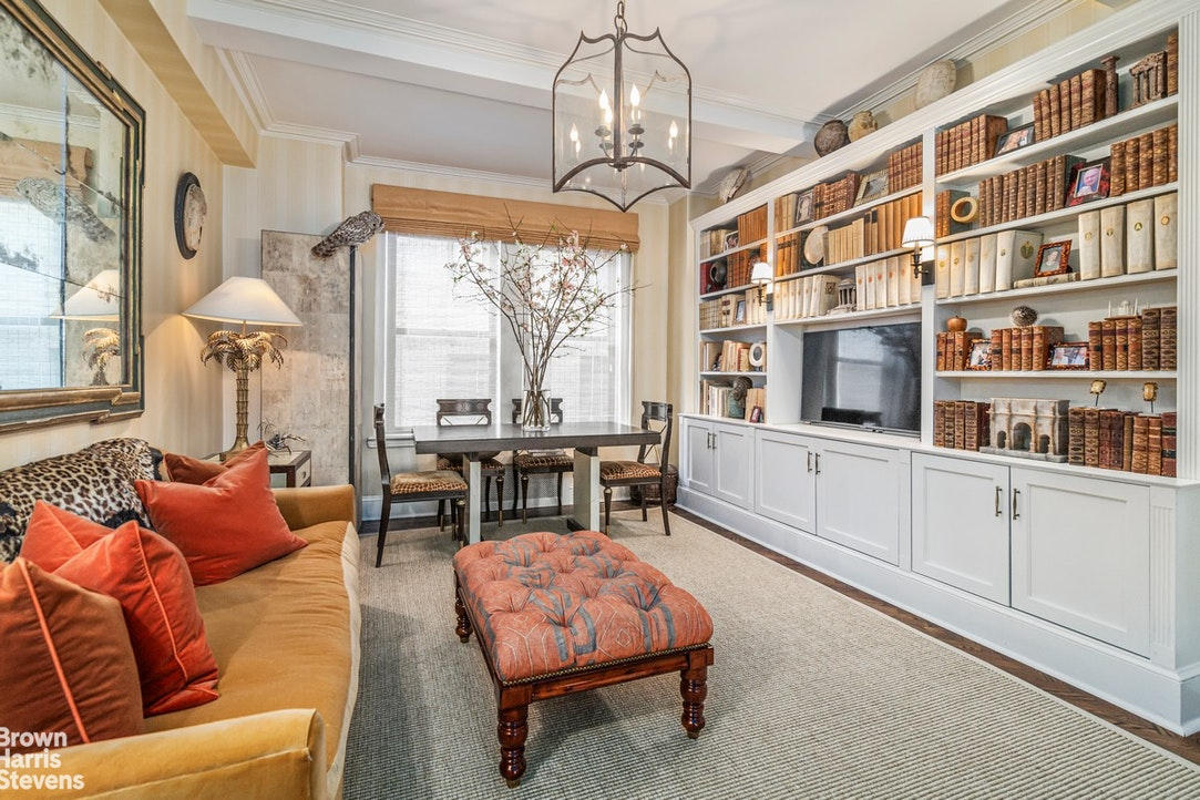 935 Park Avenue 4B, Upper East Side, NYC, $2,350,000, Web #: 20227055