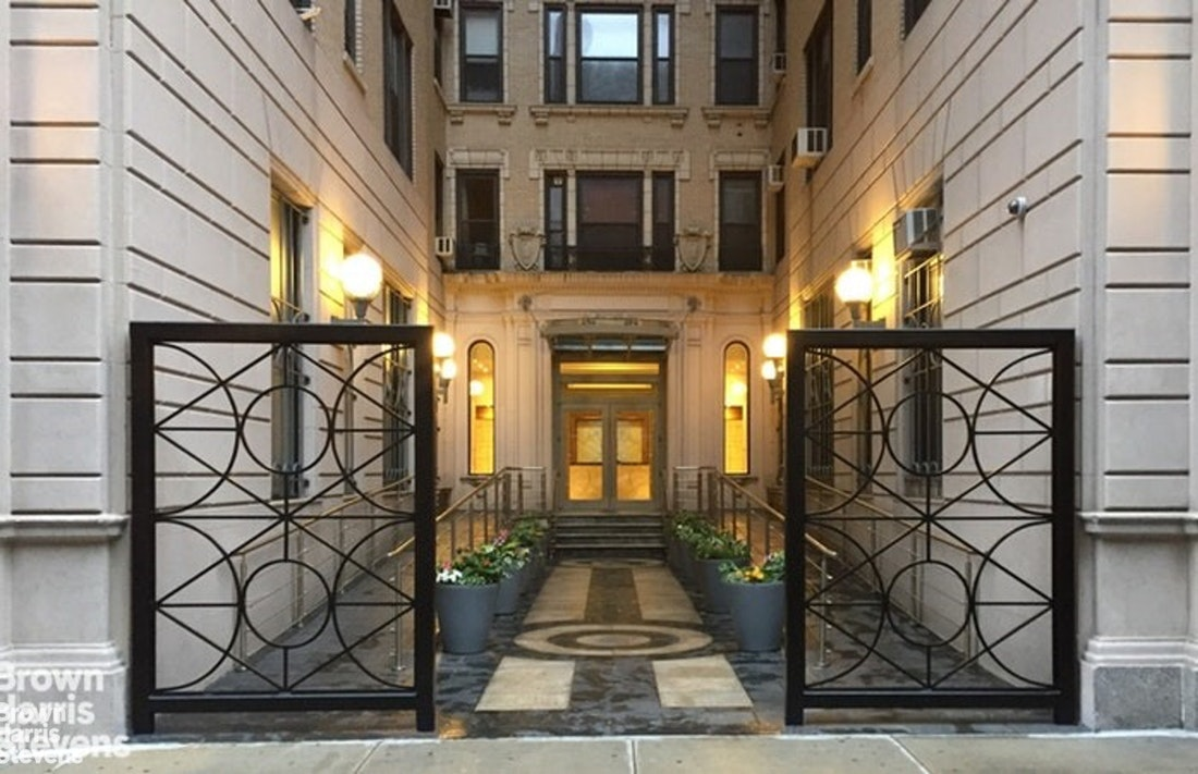 219 West 81st Street 9D, Upper West Side, NYC, $10,500, Web #: 20230224