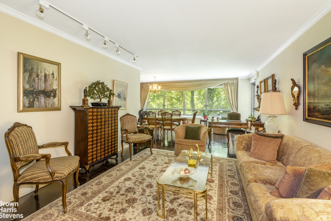 170 West End Avenue 3D, Upper West Side, NYC, $2,100,000, Web #: 20246630