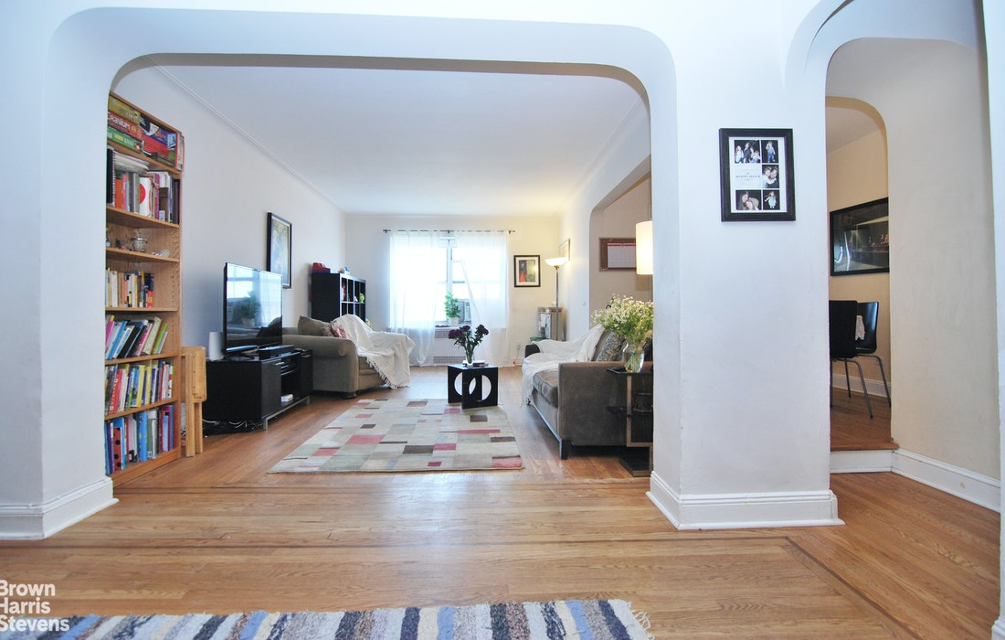 35 -24 78th St A64, Jackson Heights, New York, $639,000, Web #: 20246851