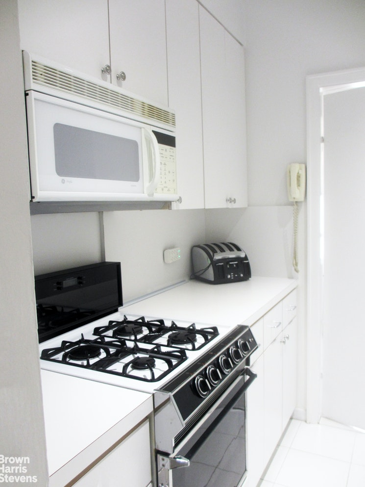 25 Central Park West 5D, Upper West Side, NYC, $3,850, Web #: 20249102