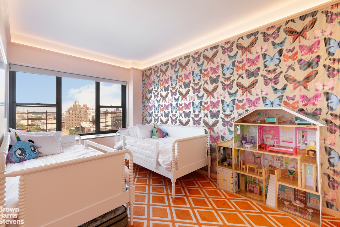 2 Fifth Avenue 12Ab, Greenwich Village, NYC, $11,995, Web #: 20265515