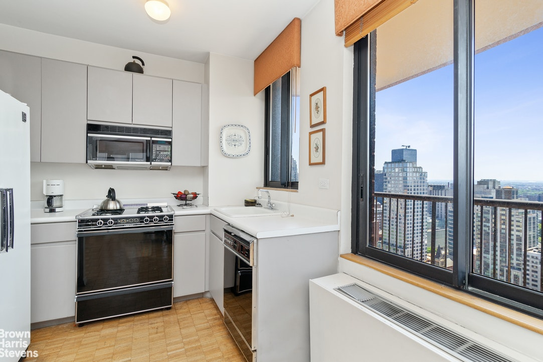 304 East 65th Street 30C, Upper East Side, NYC, $6,500, Web #: 20269366