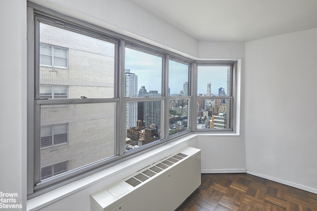 400 East 56th Street 39F, Midtown East, NYC, $699,000, Web #: 20278397