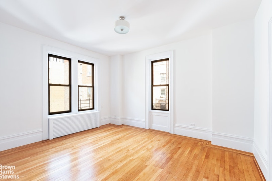 251 Central Park West 10E, Upper West Side, NYC, $9,000, Web #: 20280880