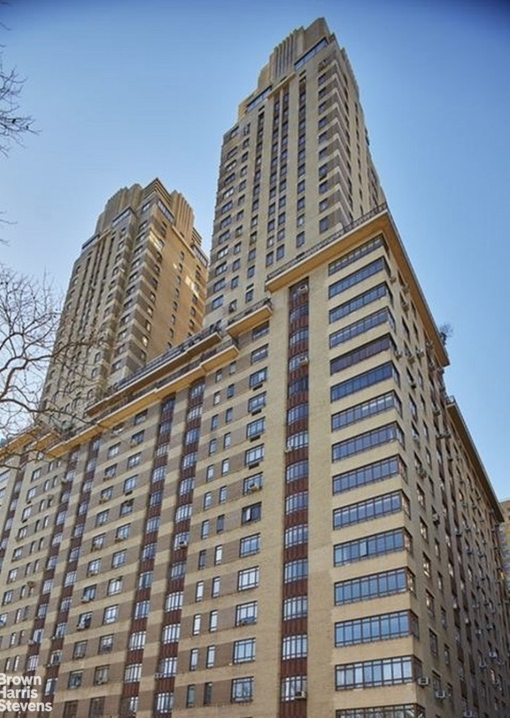 25 Central Park West 19U, Upper West Side, NYC, $4,500, Web #: 20286472