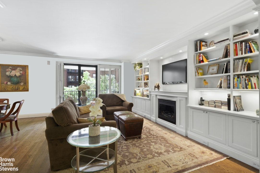 10 West 66th Street 4G, Upper West Side, NYC, $2,195,000, Web #: 20293763