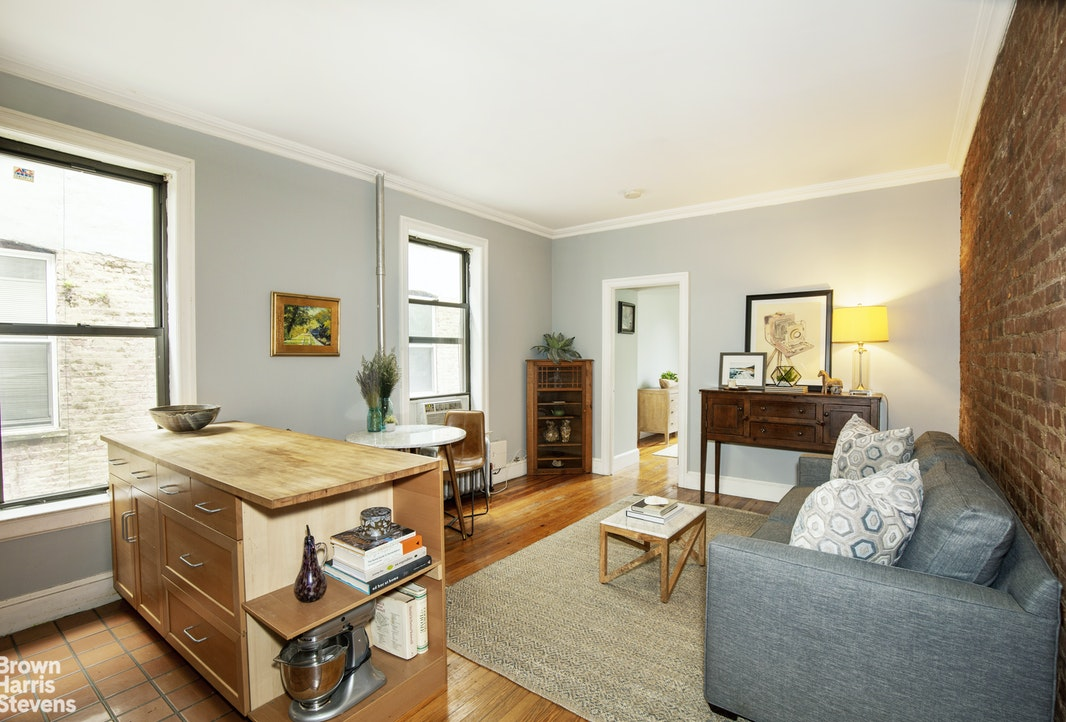 423 15th Street 2B, Park Slope, New York, $549,000, Web #: 20295633