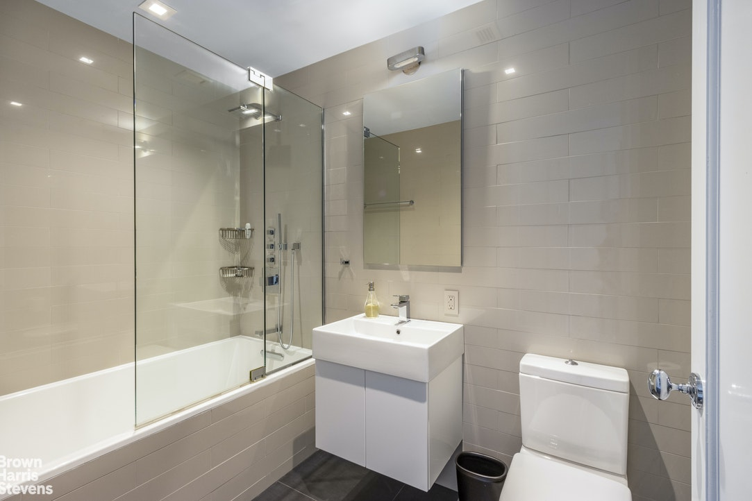 130 West 30th Street 17A, Chelsea, NYC, $10,149, Web #: 20306700