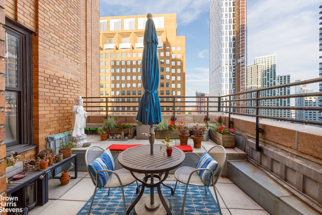365 Bridge Street 20A, Downtown Brooklyn, New York, $2,650,000, Web #: 20308125