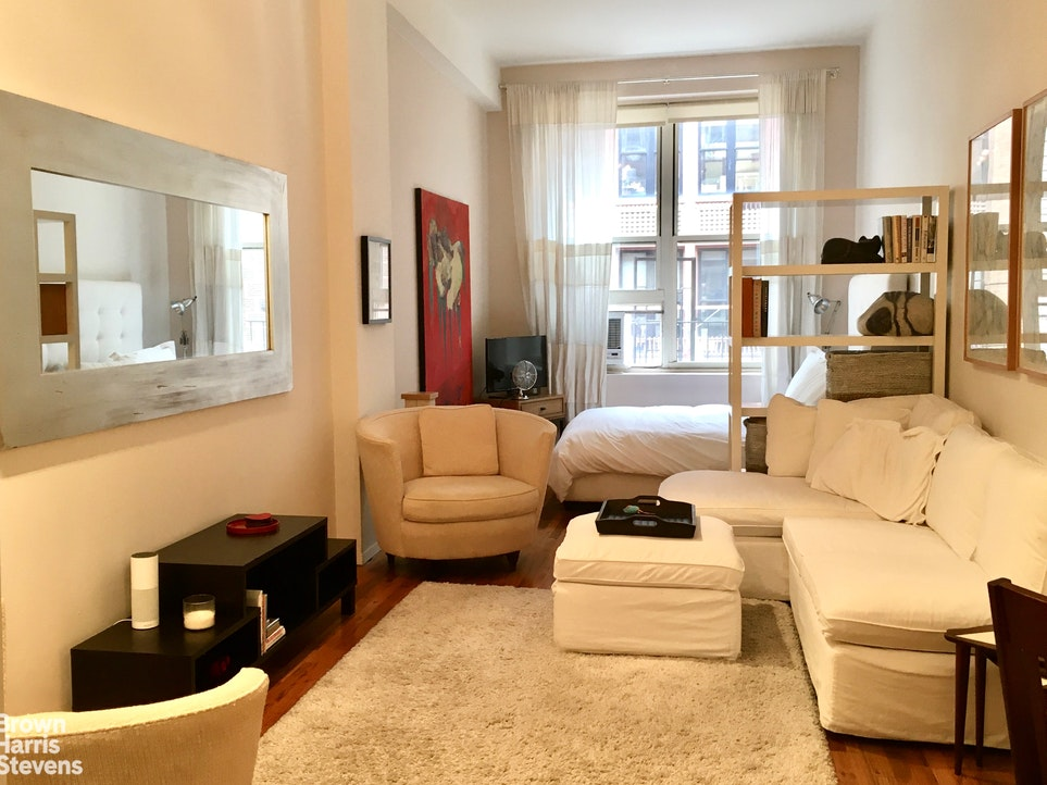 23 Waverly Place 3M, East Village, NYC, $3,200, Web #: 20314826