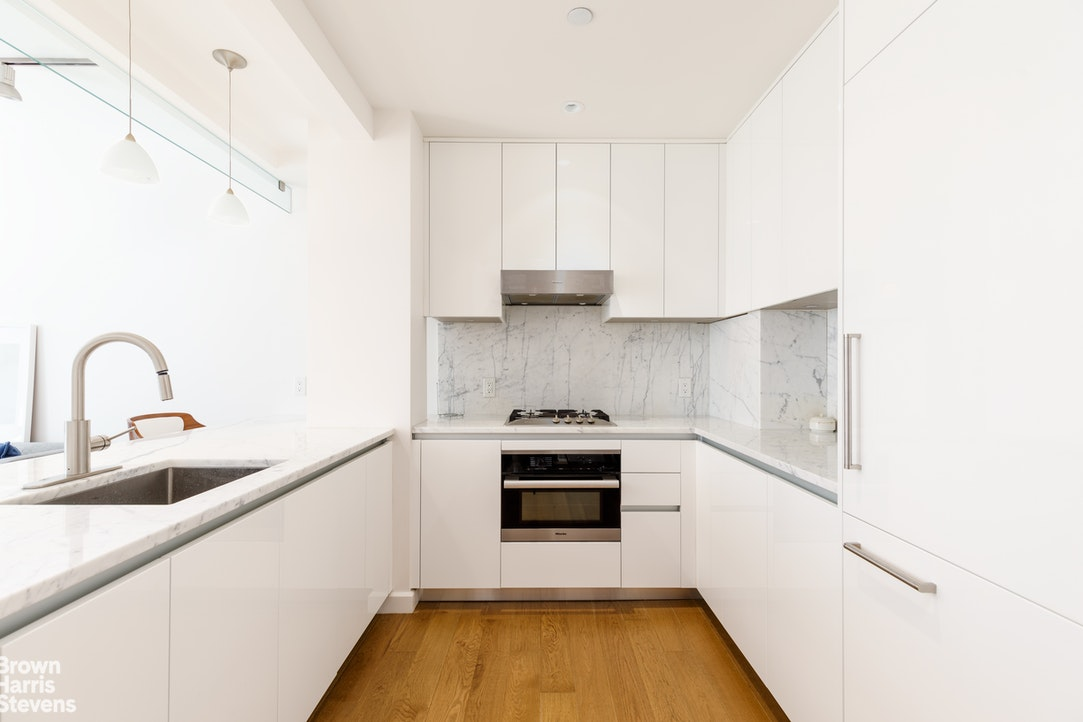351 West 54th Street 4A, Midtown West, NYC, $3,188, Web #: 20315538