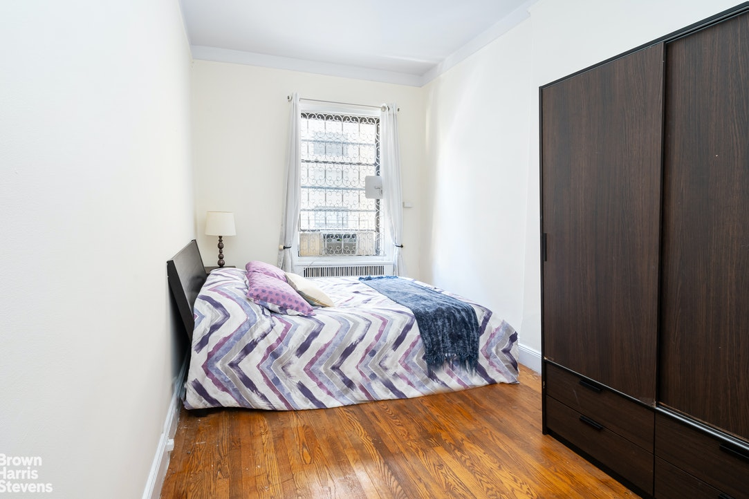 325 West 57th Street 5A, Midtown West, NYC, $2,495, Web #: 20317956