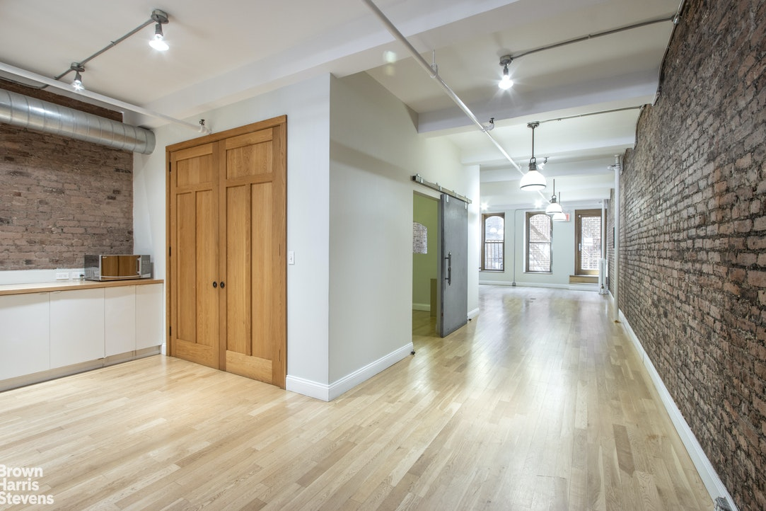 158 West 23rd Street 2, Chelsea, NYC, $1,895,000, Web #: 20323904