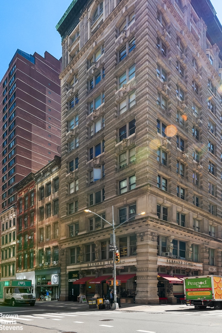 366 Broadway 7B, Tribeca, NYC, $2,395,000, Web #: 20331595