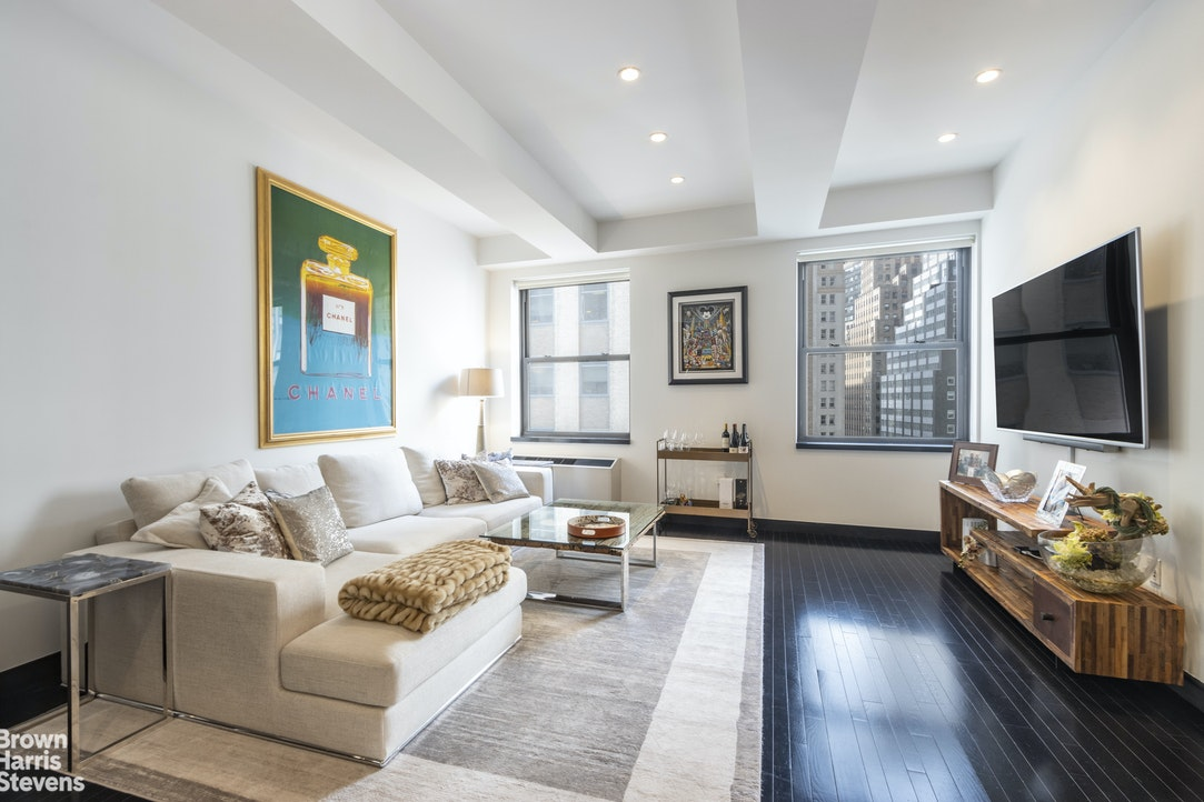 20 Pine Street 1504, Financial District, NYC, $1,399,000, Web #: 20335163