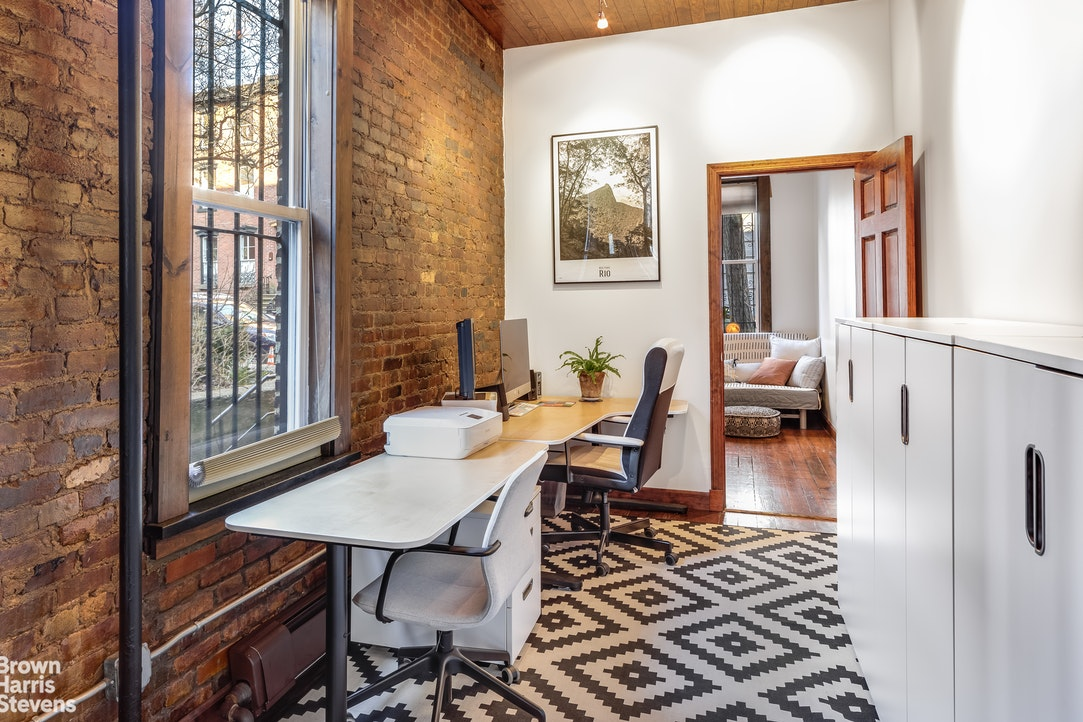 30 Willow Place 1, Brooklyn, New York, $1,275,000, Web #: 20337385