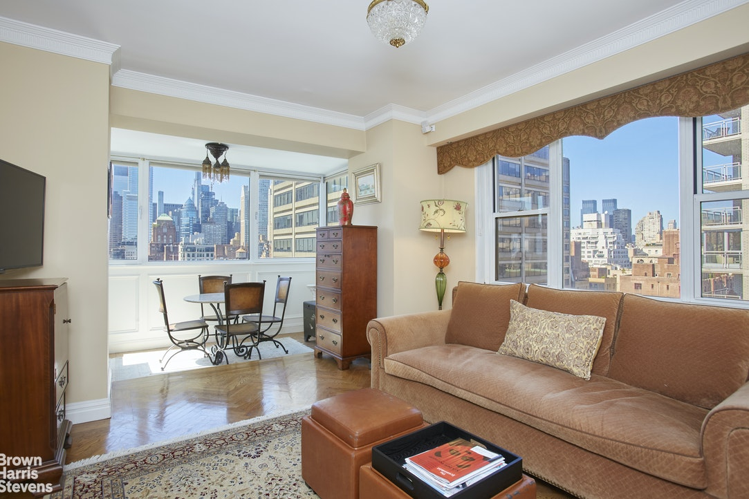 150 East 69th Street 16M, Upper East Side, NYC, $1,750,000, Web #: 20337483