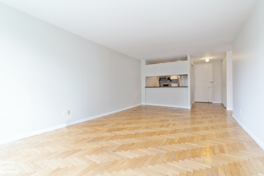 201 West 72nd Street 14B, Upper West Side, NYC, $1,000,000, Web #: 20342825