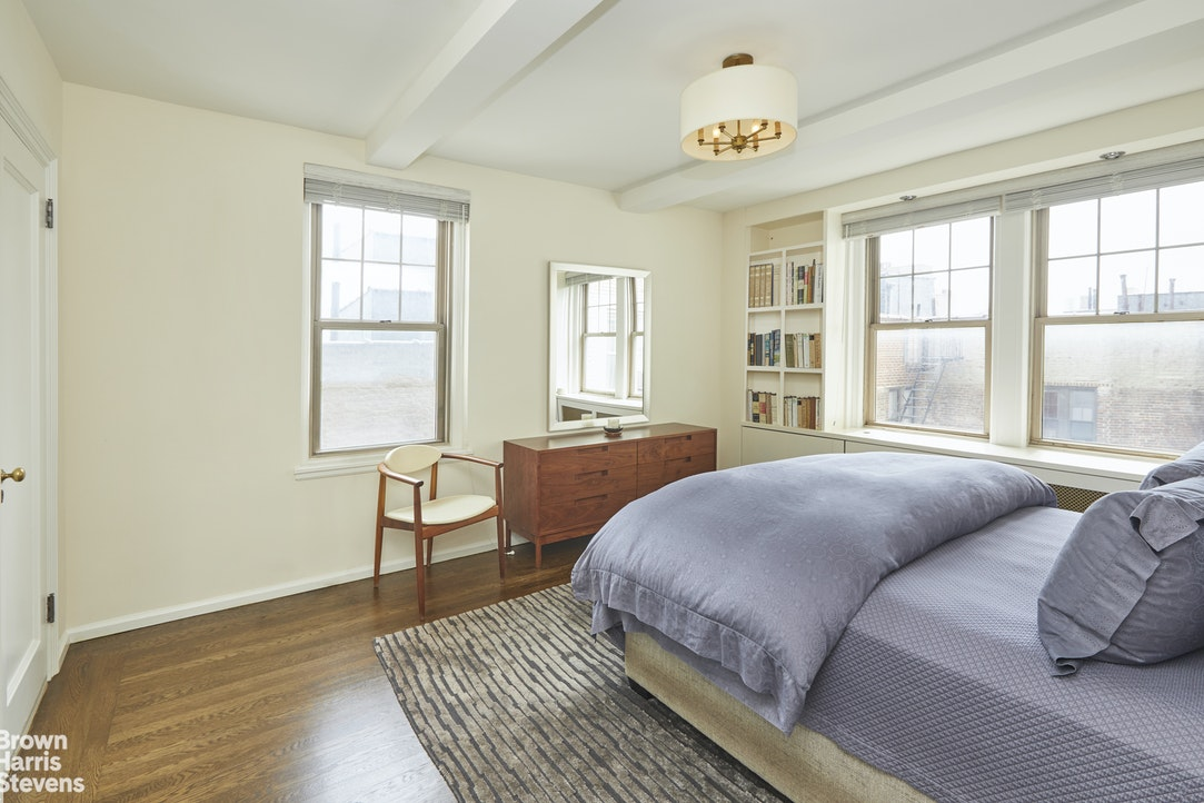 302 West 12th Street 7A, Greenwich Village, NYC, $1,990,000, Web #: 20346328