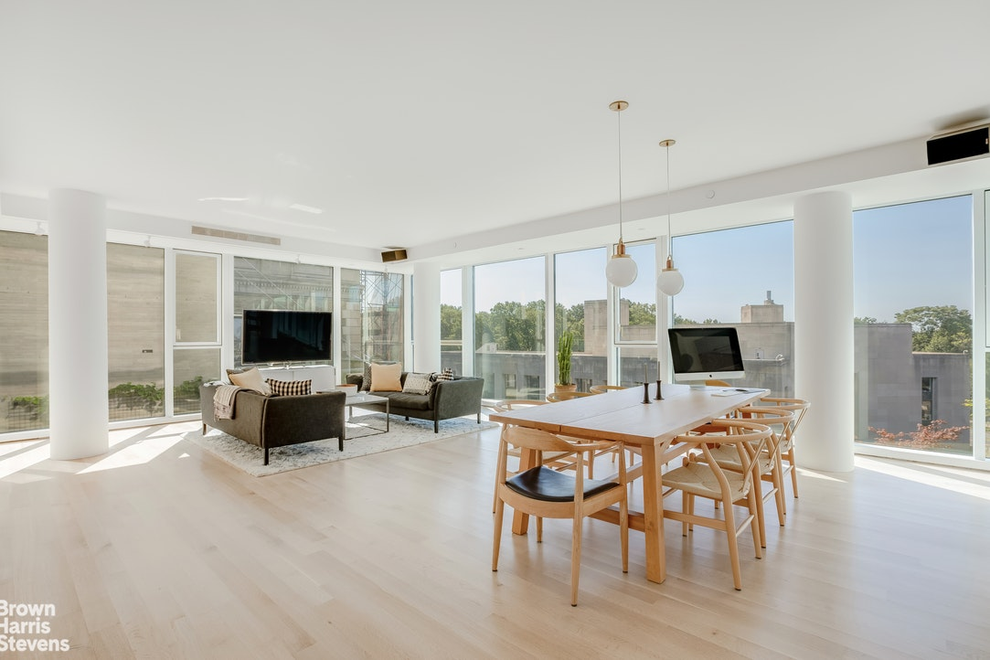 1 Grand Army Plaza 9F, Prospect Heights, New York, $2,800,000, Web #: 20354553