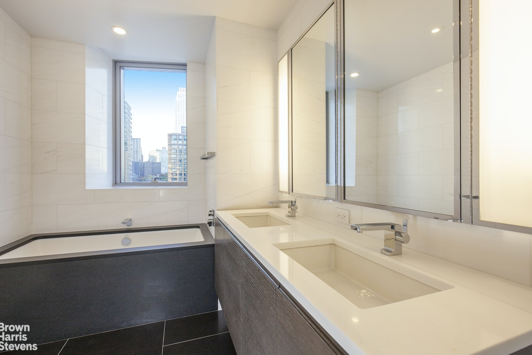 50 Riverside Boulevard 9D, Upper West Side, NYC, $10,000, Web #: 20373272
