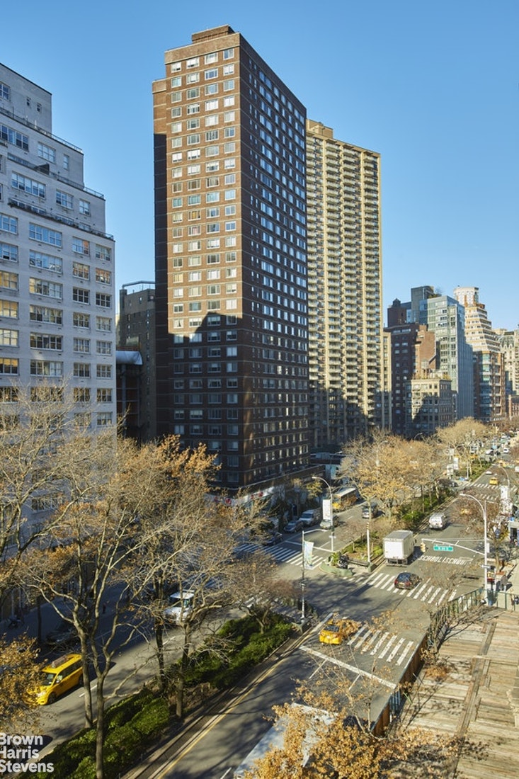 2000 Broadway 6K, Upper West Side, NYC, $795,000, Web #: 20375514